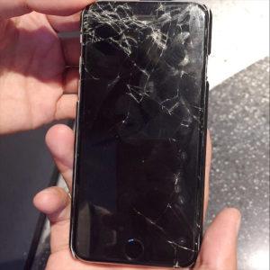 iPhoneの画面割れを防止|iPhoneの画面はあっさり割れる